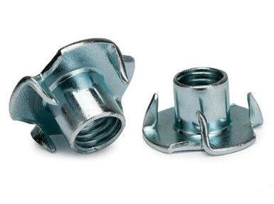 DIN1624 čtyři drápy matice uhlíková ocel zinek