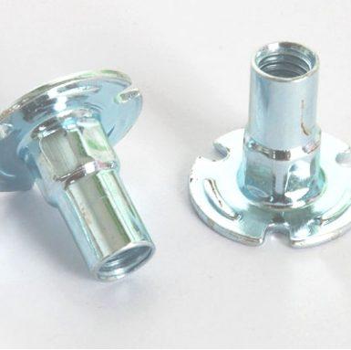 Matice z uhlíkové oceli zinková bílá
