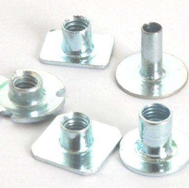 Plochá svařovací matice z uhlíkové oceli zinek